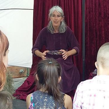 Märchenfest und Märchentipi mit Märchenerzählerin