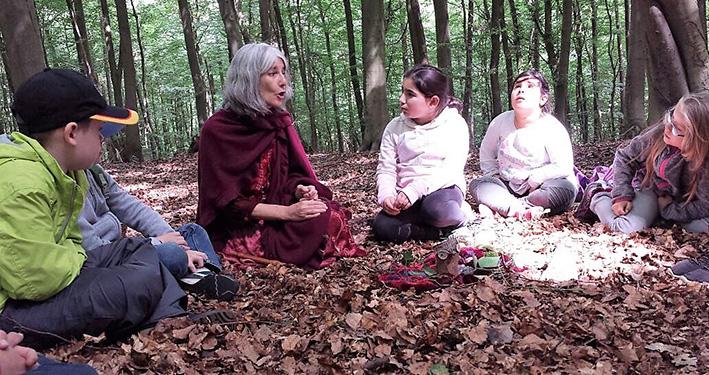 Waldprojekt mit Märchen und Geschichten für Kinder